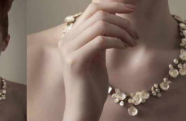 Michael Michaud Schmuck Schmuckstücke Halsketten Ohrringe Armbänder Bronze Silber Botanik botanisch Pflanzen Perlen Korallen Detail Liebe Handwerk handgefertigt einzigartig Schönheit