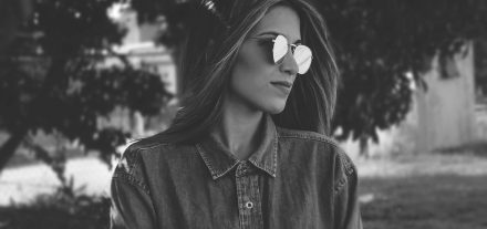 Polarisierende Brillengläser Brille Brillen Schmuck Optik Weißmann phototrop polarisierend Selbsttönend Online Shop Brille kaufen Vorteil Nachteil